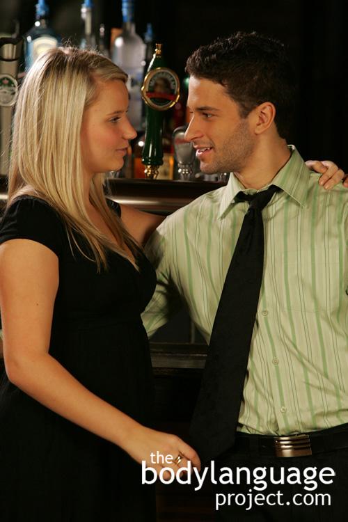 dating body language cues